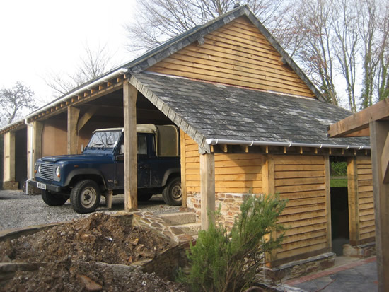 Traditional oak timber frame manufacture devon for Traditional barn kits
